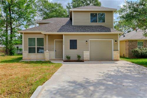 Photo of 118 Mulberry, Montgomery, TX 77316 (MLS # 84820623)