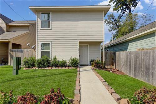 Photo of 16630 E Hammon, Montgomery, TX 77316 (MLS # 78149627)