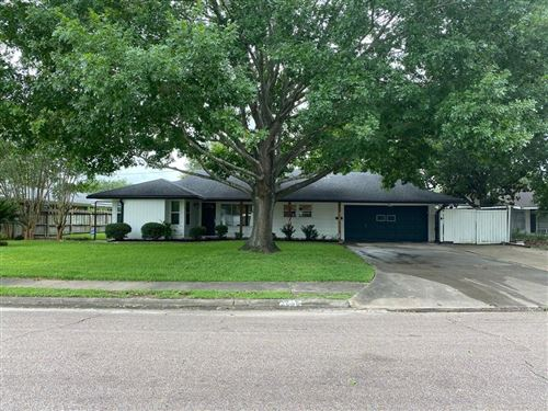 Photo of 4805 Redstart Street, Houston, TX 77035 (MLS # 31989630)