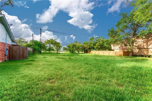 Photo of 2527 Lazy Lake Drive, Nassau Bay, TX 77058 (MLS # 16753634)