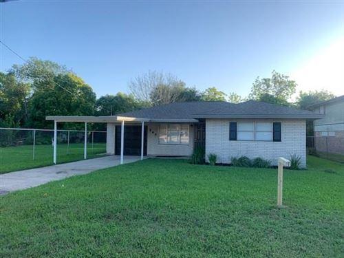 Photo of 542 N Vionett Lane, Texas City, TX 77591 (MLS # 52488635)