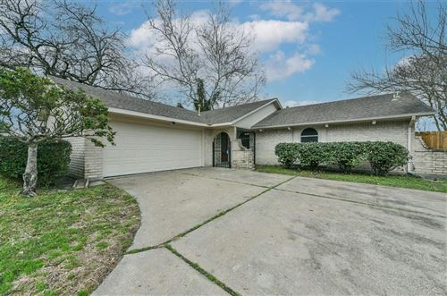 Photo of 814 Point Blank Drive, Houston, TX 77038 (MLS # 3482637)