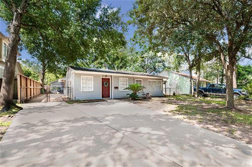 Photo of 927 Lamonte Lane, Houston, TX 77018 (MLS # 22246639)
