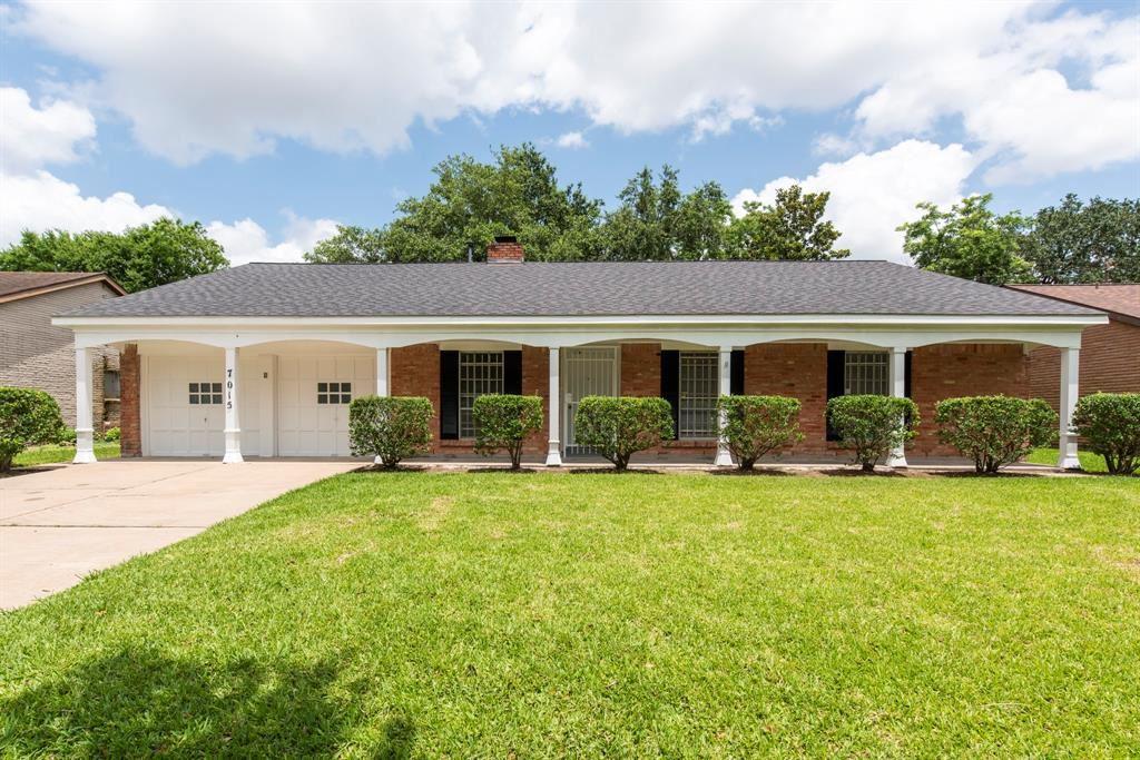 Photo for 7015 Pella Drive, Houston, TX 77036 (MLS # 94745642)