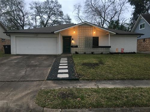 Photo of 5811 Silver Forest Drive, Houston, TX 77092 (MLS # 17460643)