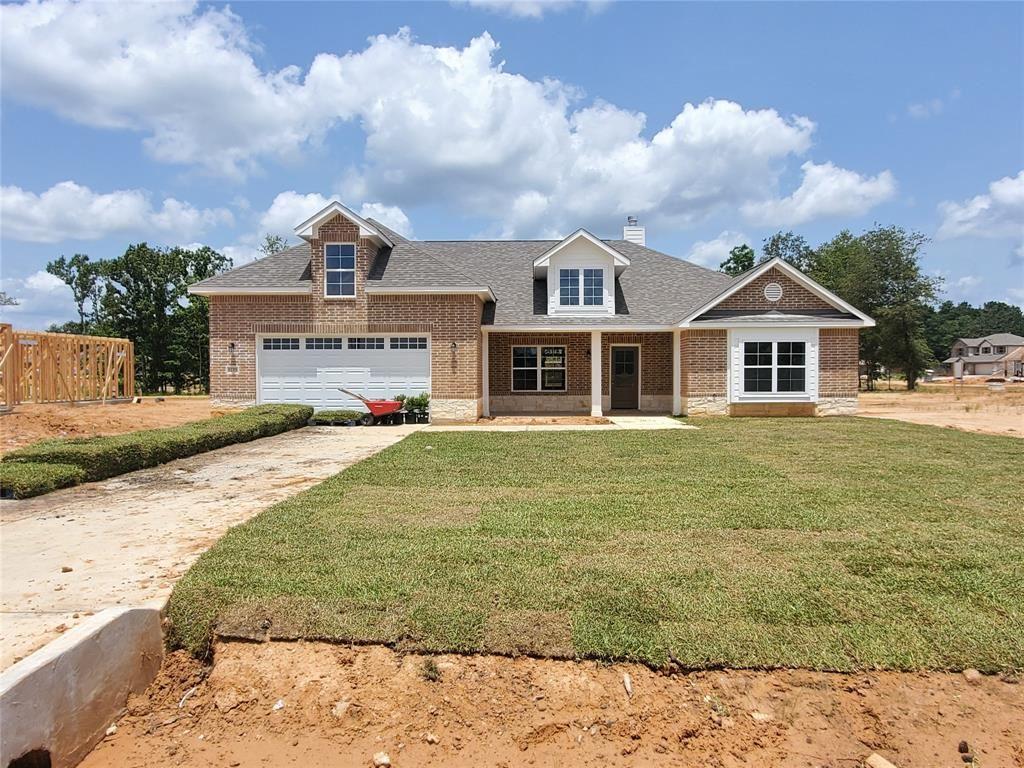 Photo for 12371 N Chestnut Hills Dr, Conroe, TX 77303 (MLS # 91500649)