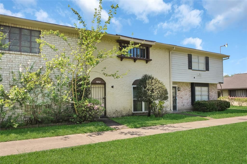 Photo for 8352 Leamont Drive, Houston, TX 77072 (MLS # 86903650)