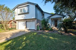 Photo of 1031 E Brompton Drive, Pearland, TX 77584 (MLS # 34507655)