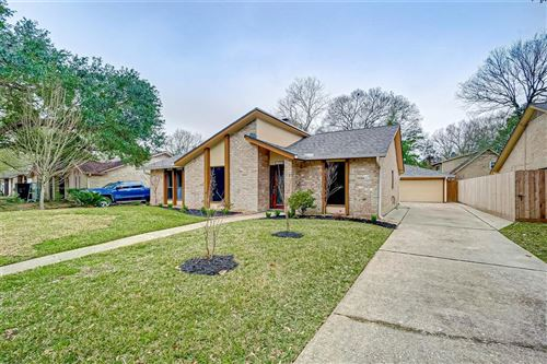 Photo of 4023 Pecan Knoll Drive, Houston, TX 77339 (MLS # 45882659)