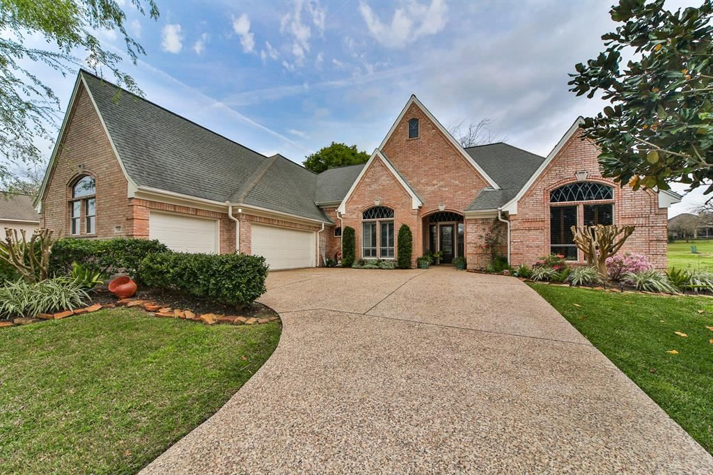 Photo for 35 Greenview Street, Montgomery, TX 77356 (MLS # 57251660)