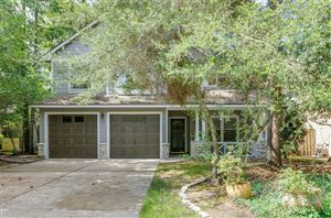 Photo of 19 E Gaslight Place, The Woodlands, TX 77382 (MLS # 85072661)