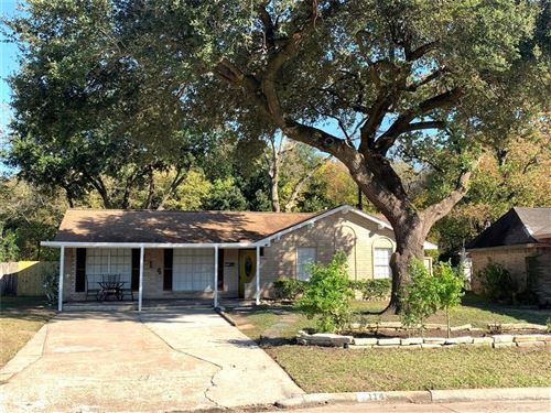 Photo of 114 W Hartwick Lane, Houston, TX 77037 (MLS # 80632665)