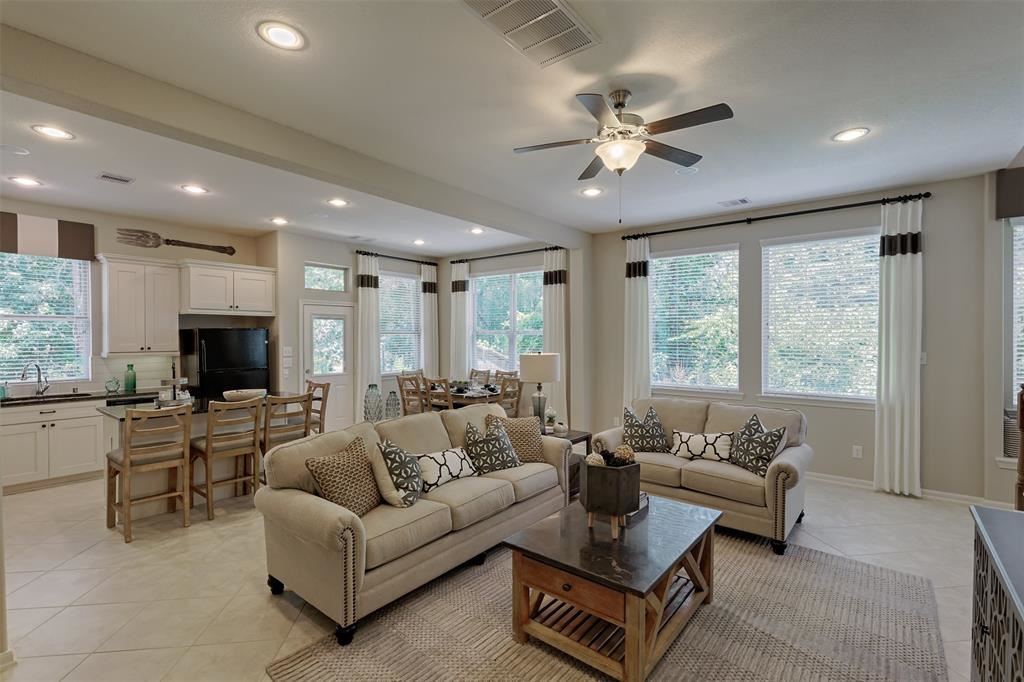 Photo for 256 Cheswood Forest Drive, Montgomery, TX 77316 (MLS # 73726665)