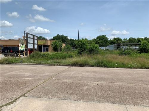 Photo of 7725 Red Robin Lane, Houston, TX 77075 (MLS # 19215668)