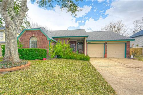 Photo of 2203 Saint James Place, Pearland, TX 77581 (MLS # 41233671)