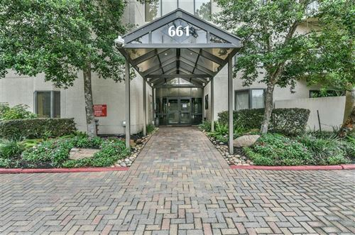 Photo of 661 Bering Drive Drive #704, Houston, TX 77057 (MLS # 91007671)