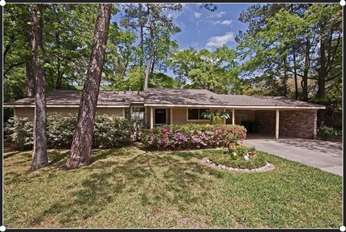 Photo of 1002 E Red Cedar Circle, The Woodlands, TX 77380 (MLS # 10830672)