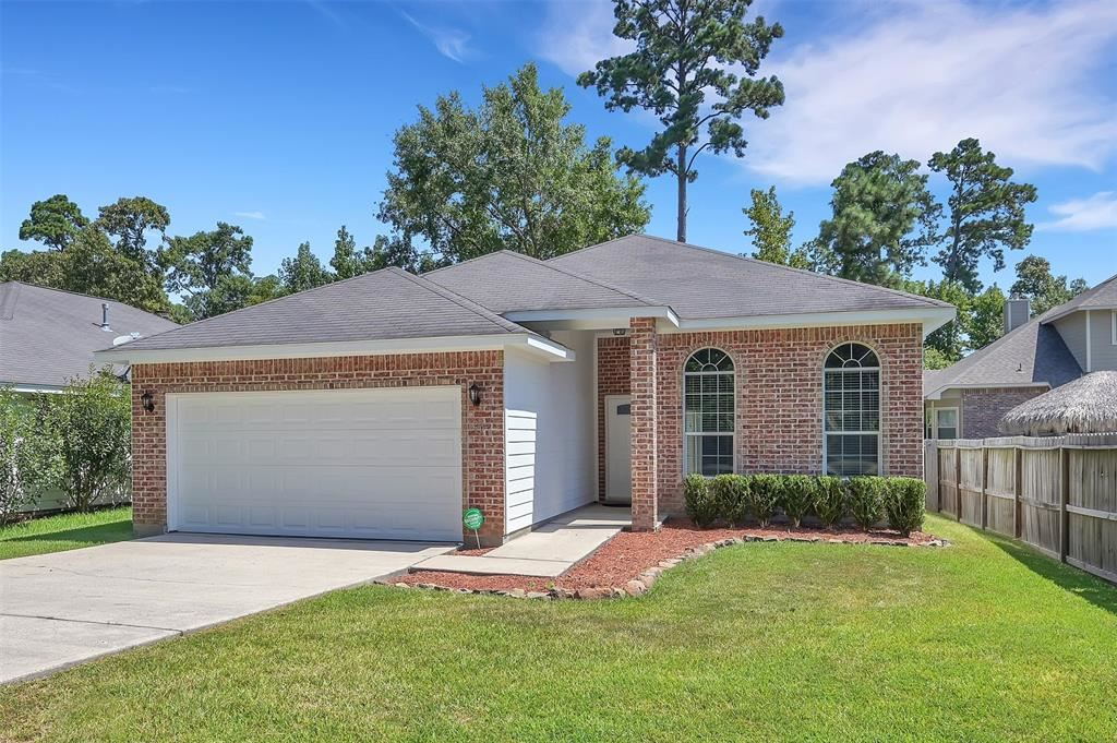 Photo for 206 Clear Water Street, Montgomery, TX 77356 (MLS # 85385672)