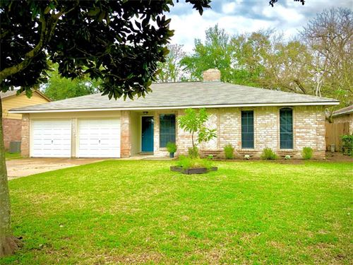Photo of 6215 KNOLLWEST Drive, Houston, TX 77072 (MLS # 88111678)