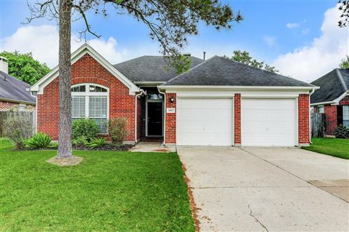 Photo of 3907 Vinecrest Drive, Pearland, TX 77584 (MLS # 8422680)