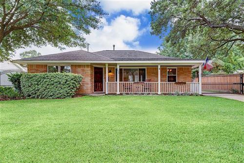 Photo of 1839 Widdicomb Court, Houston, TX 77008 (MLS # 16981693)