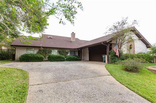 Photo of 523 River Oaks Drive, Huntsville, TX 77340 (MLS # 25133699)