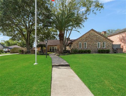 Photo of 18618 Upper Bay Road, Nassau Bay, TX 77058 (MLS # 51650700)