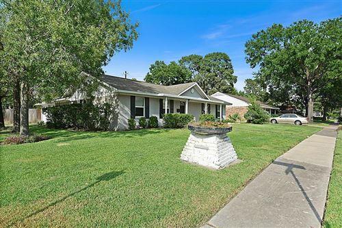 Photo of 5534 Birdwood Road, Houston, TX 77096 (MLS # 69235704)