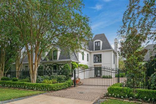 Photo of 31 W Broad Oaks Drive #2, Houston, TX 77056 (MLS # 36198706)
