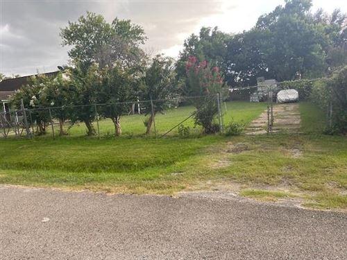 Photo of 6306 Glencoe Street, Houston, TX 77087 (MLS # 2378711)