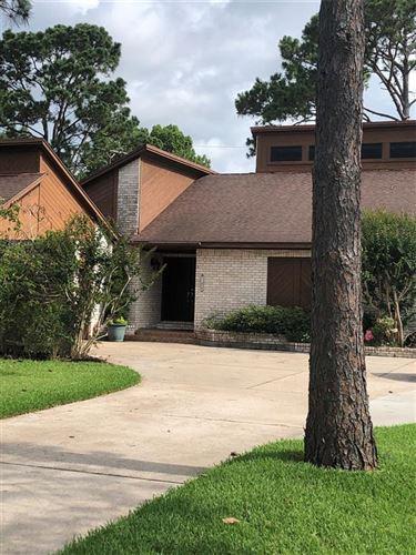 Photo of 700 Bayou Crest Cir Circle, Dickinson, TX 77539 (MLS # 29752711)