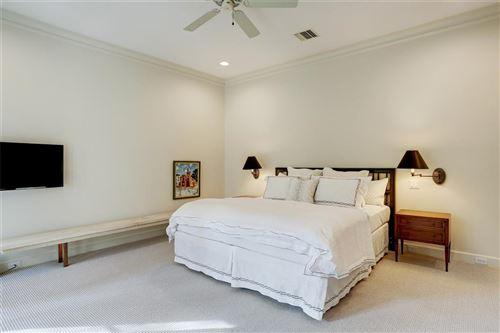 Tiny photo for 2 Smithdale Court, Houston, TX 77024 (MLS # 5669712)
