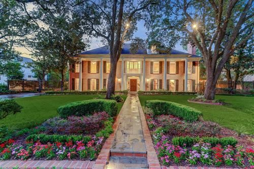 Photo of 3330 Chevy Chase Drive, Houston, TX 77019 (MLS # 26732714)