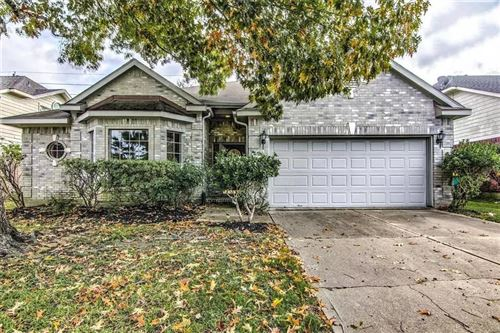 Photo of 1035 Norfolk Drive, Pearland, TX 77584 (MLS # 96767719)