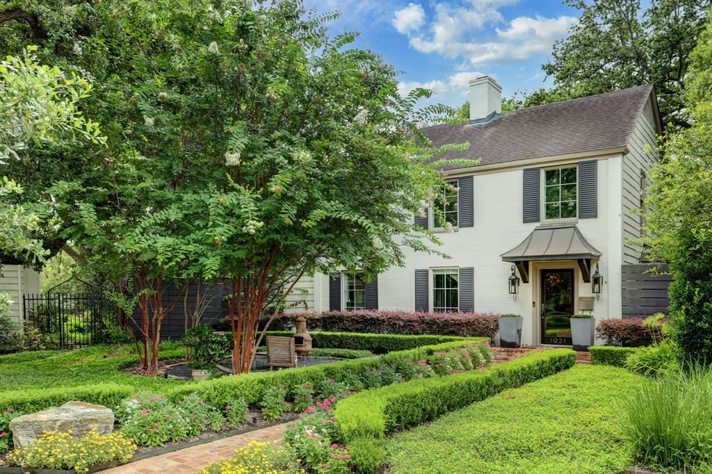 Photo for 1921 Sharp Place, Houston, TX 77019 (MLS # 15006721)