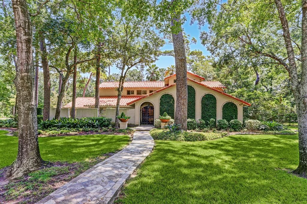 Photo for 11 Liberty Bell Circle, Houston, TX 77024 (MLS # 28099721)