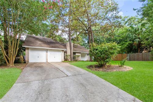 Photo of 9 N Brook Pebble Court, The Woodlands, TX 77380 (MLS # 31416723)