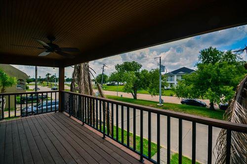 Tiny photo for 17 Harbour Drive, Houston, TX 77058 (MLS # 32143723)