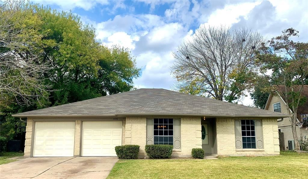 Photo for 16210 Sierra Grande Drive, Houston, TX 77083 (MLS # 53654725)