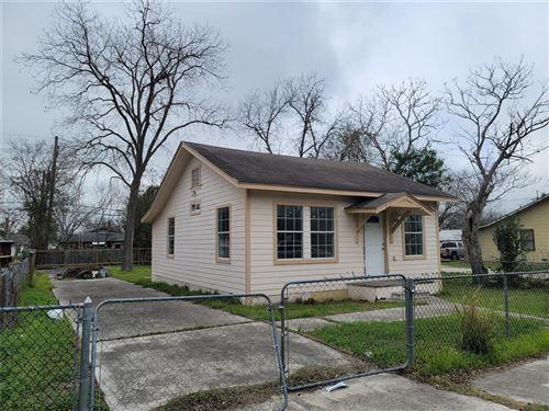 Photo of 1718 Lennon Avenue, San Antonio, TX 78223 (MLS # 66373727)