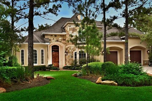 Photo of 35 SEASONS TRACE, The Woodlands, TX 77382 (MLS # 61448729)