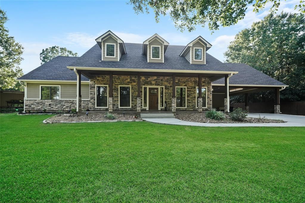 Photo for 11503 Vintage Oaks Court, Montgomery, TX 77356 (MLS # 10501729)
