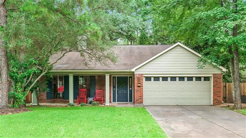 Photo of 131 E Pathfinders Circle, The Woodlands, TX 77381 (MLS # 16935731)