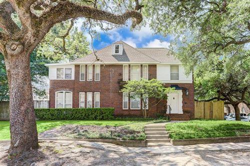 Photo of 5002 Chenevert Street, Houston, TX 77004 (MLS # 38436731)