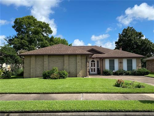 Photo of 3003 S Peach Hollow Circle, Pearland, TX 77584 (MLS # 33226735)