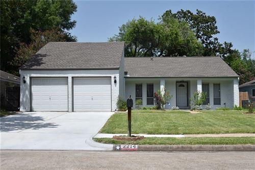 Photo of 2214 Cherry Bend Drive, Houston, TX 77077 (MLS # 89719736)