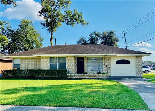 Photo of 102 E Rittenhouse Street, Houston, TX 77076 (MLS # 10136743)