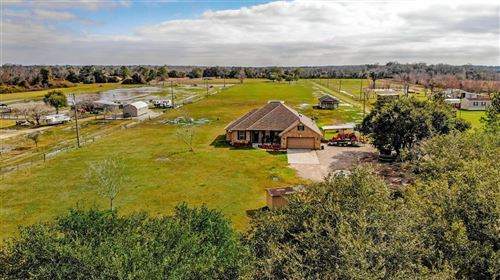 Photo of 4885 County Road 172, Alvin, TX 77511 (MLS # 81890745)