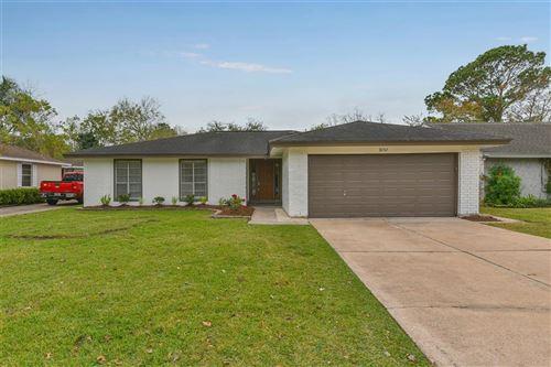 Photo of 16742 Townes Road, Friendswood, TX 77546 (MLS # 10239753)