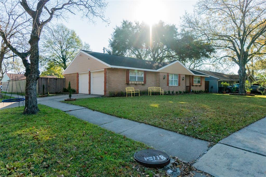 Photo for 8103 Bonhomme Road, Houston, TX 77074 (MLS # 25221761)